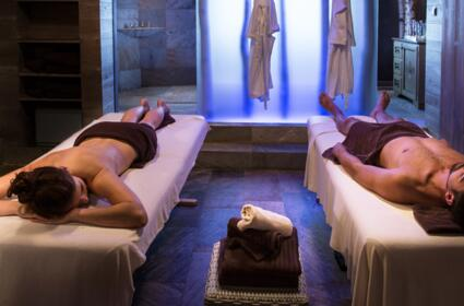couples massage on a wellness holiday in the Ötztal valley